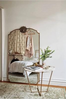 Vintage Room 105