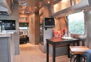 Air Streams Dream Campers 86