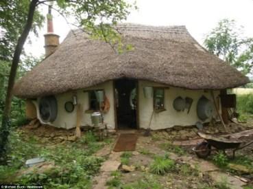 Cob Homes 49