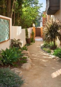 Outdoor Walkway 61