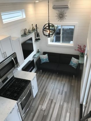 Tiny House Mansion 10