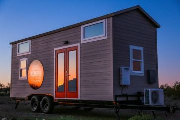 Tiny House Mansion 105
