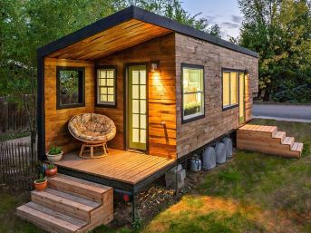 Tiny House Mansion 129
