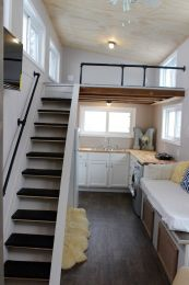 Tiny House Mansion 146