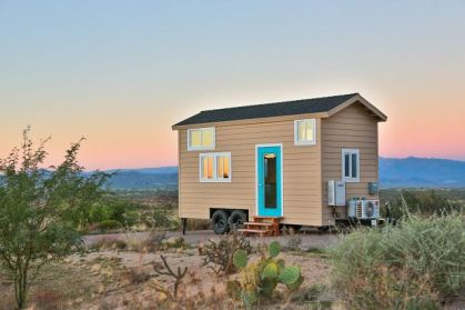 Tiny House Mansion 33