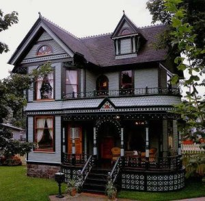 Tiny House Mansion 80