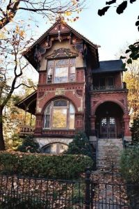 Tiny House Mansion 91