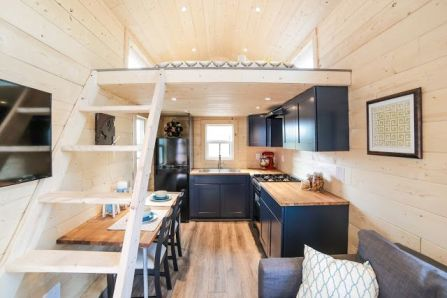 Tiny House Mansion 98