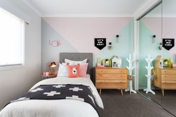 White And Pastel Bedroom 144