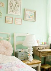 White And Pastel Bedroom 151