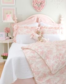 White And Pastel Bedroom 43