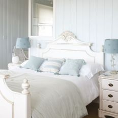 White And Pastel Bedroom 60