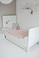 White And Pastel Bedroom 61