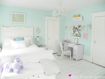 White And Pastel Bedroom 85