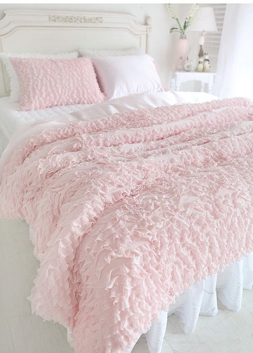 White And Pastel Bedroom 98
