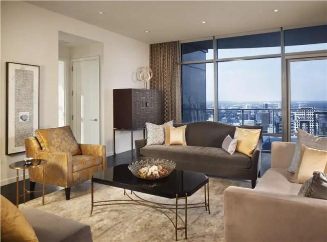Elegant Contemporary Living Room 90