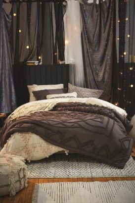 Elegant Cozy Bedroom 49