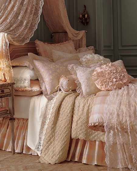 Pink White And Gold Bedroom 60