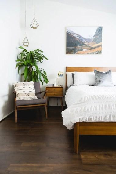 Colorful Modern Bedroom 6