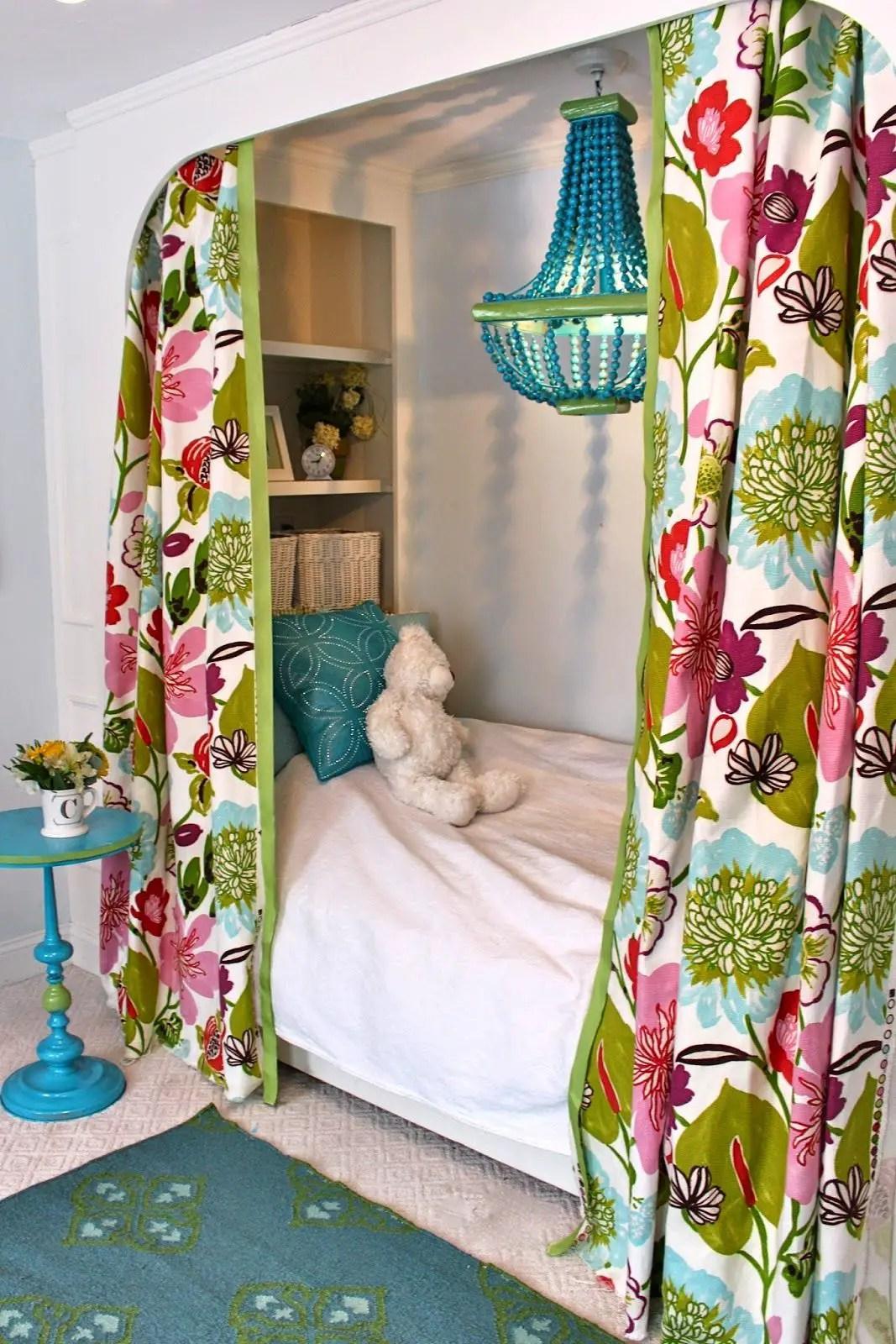 25 Smart Tween Bedroom Decorating Ideas - decoratoo on Tween Bedroom Ideas For Small Rooms  id=27268