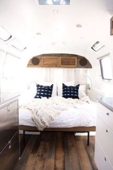 Camper Bedroom 19