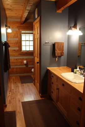 Log Home Bathrooms 14