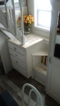 Tiny House Stairs 17