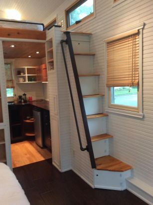 Tiny House Stairs 20