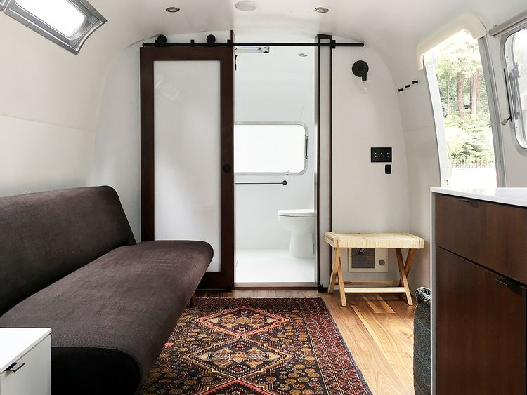 25 Bathroom Decorating Ideas for Your Airstream - decoratoo