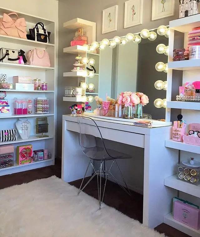 Glam Makeup Room 7 - decoratoo on Make Up Room Ideas  id=24204
