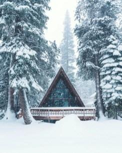 Lake House Christmas 12