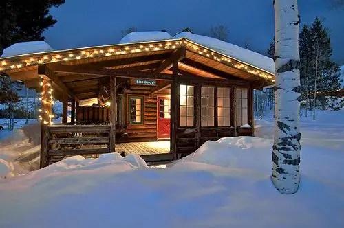 Lake House Christmas 39