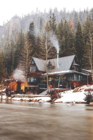 Lake House Christmas 44