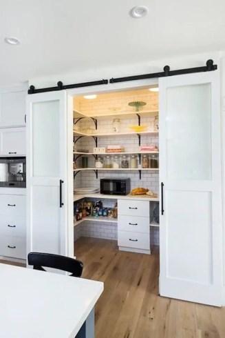 Modern Farmhouse Kitchen 16