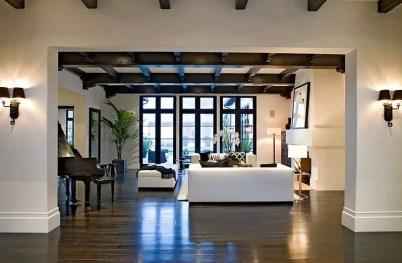 Renaissance Living Room 29