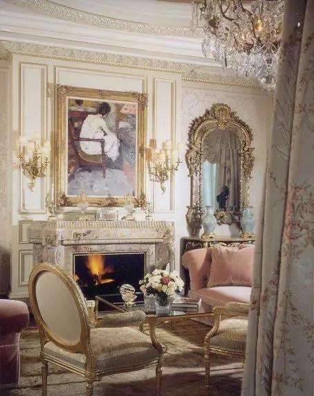 25 renaissance interior design style decoratoo. Black Bedroom Furniture Sets. Home Design Ideas