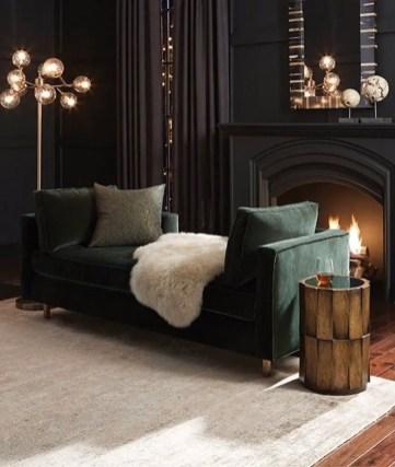 Renaissance Living Room 37