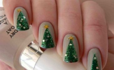 Nails Design Ideas for Christmas 10