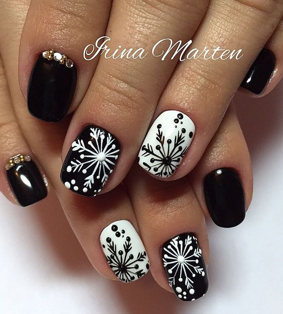 Nails Design Ideas for Christmas 5