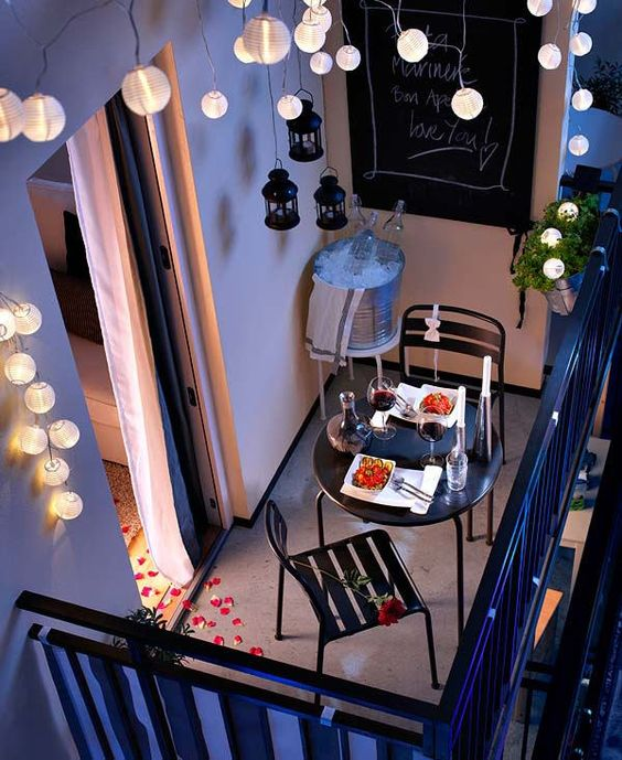 Apartement Balcony Decorating 8