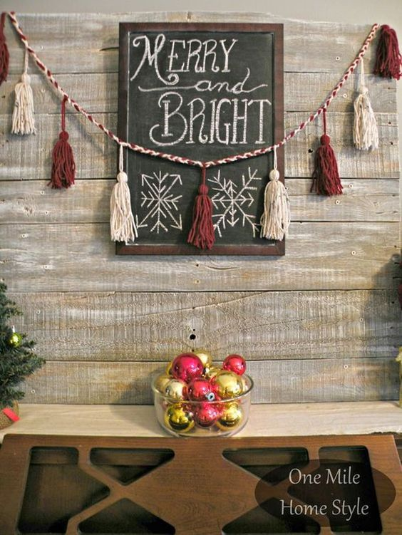 14 Christmas Wall-Themed Decoration