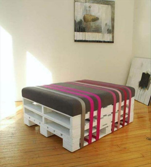 18Interior Pallet Furniture