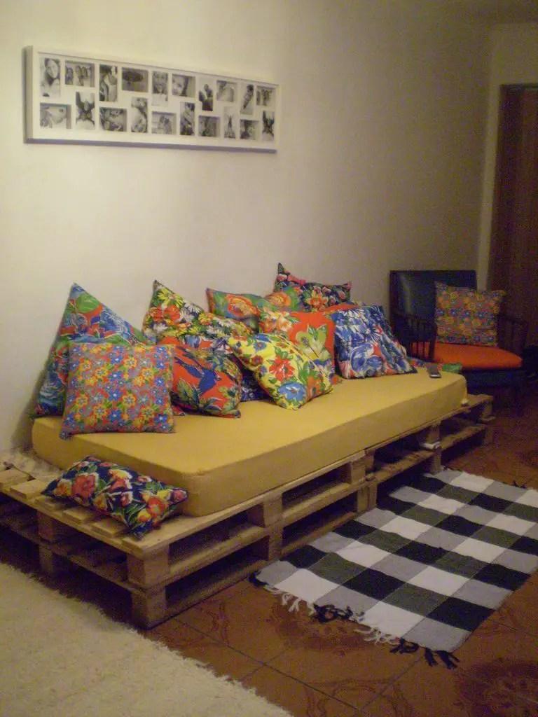 Wooden Pallets Sofa 16