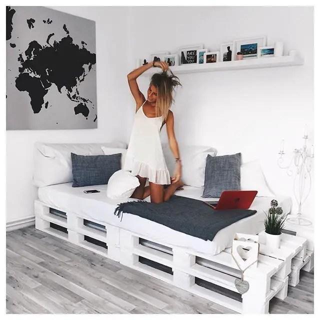 Wooden Pallets Sofa 18
