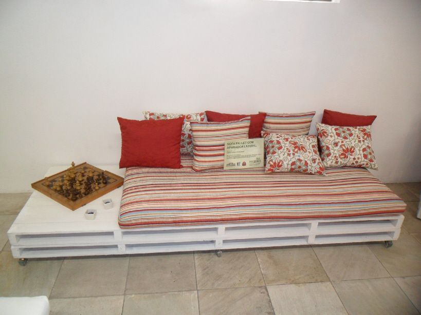 Wooden Pallets Sofa 9