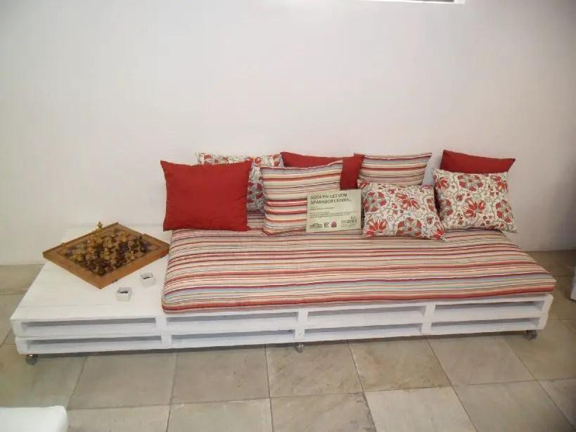 Wooden Pallets Sofa 9