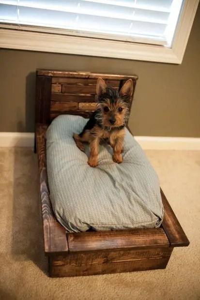 Pallet Dog Beds 15
