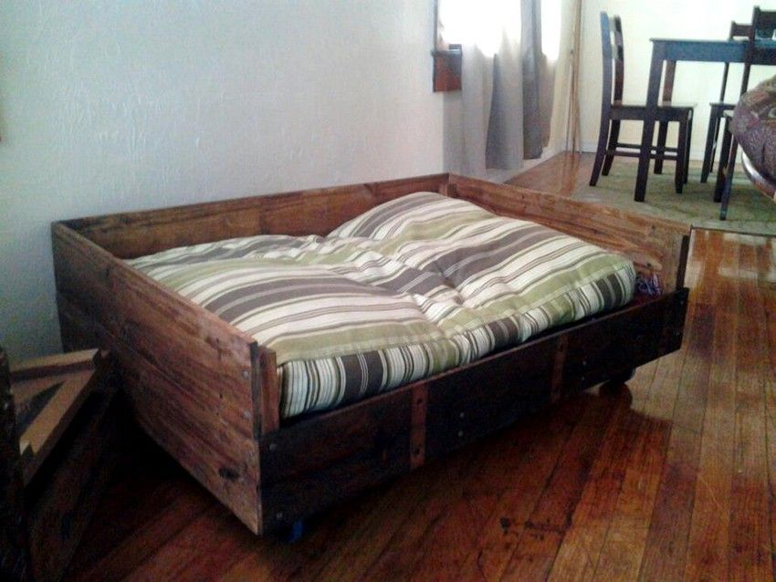 Pallet Dog Beds 27