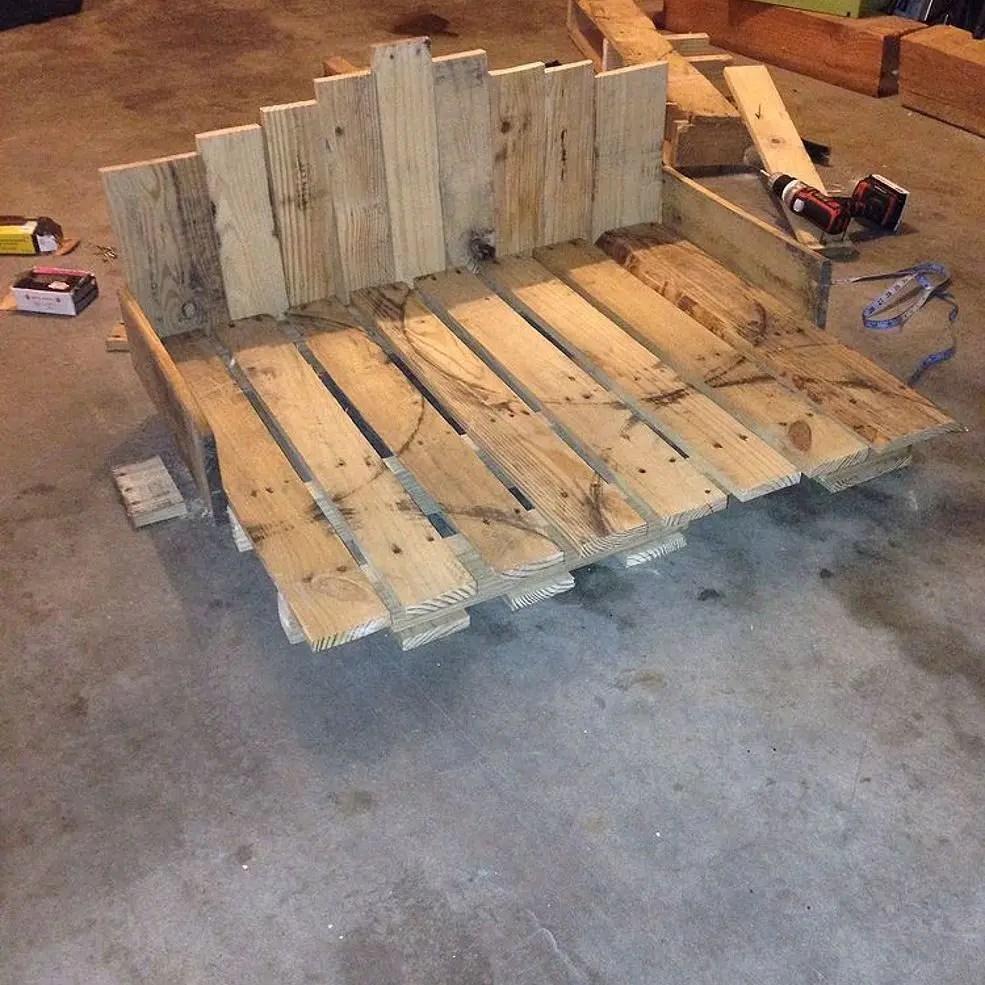 Pallet Dog Beds 30