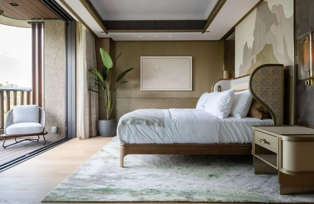 master bedroom in hong kong mansion